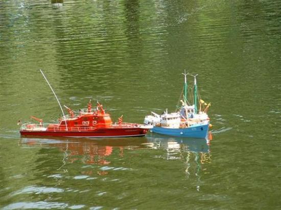 Secours en mer: le bateau-pompe