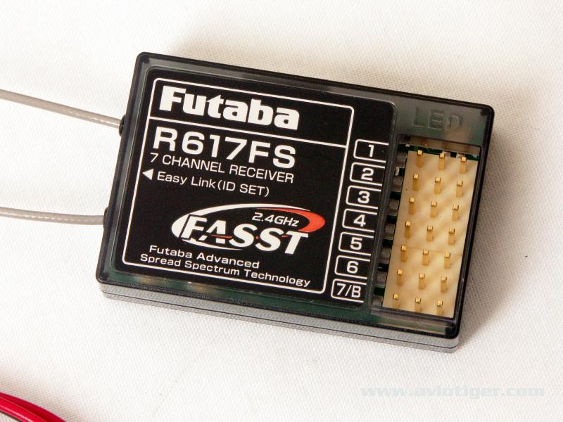 recepteur-futaba-r617fs.jpg